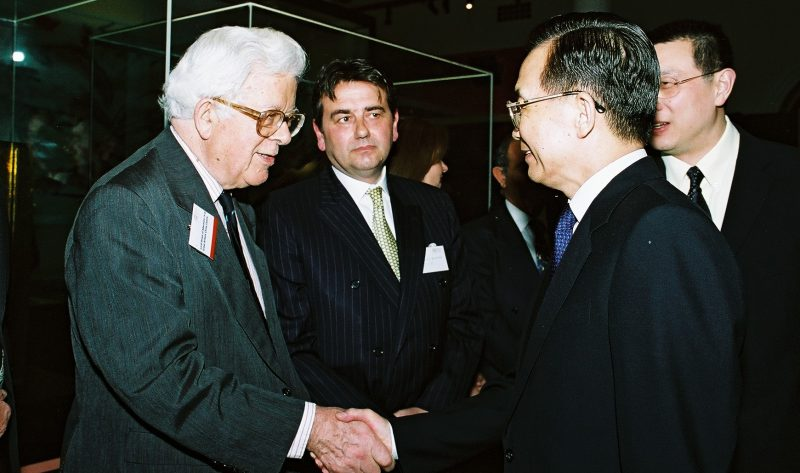 Former Gbcc Chairman The Late Lord Howe With Former Premier Wen Jiabao